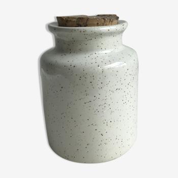 Speckled sandstone pot