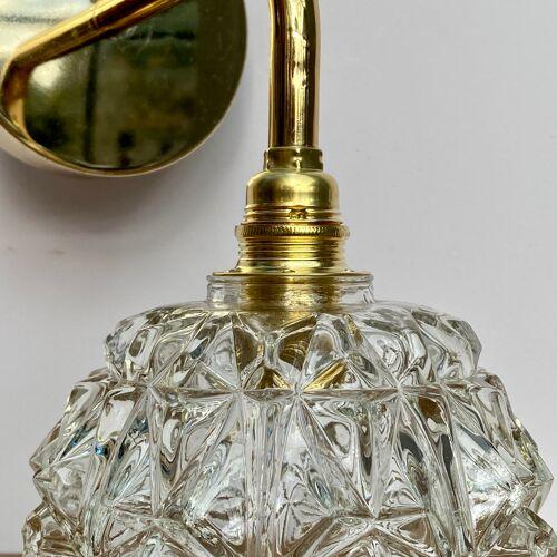 Applique murale globe vintage en verre moulé