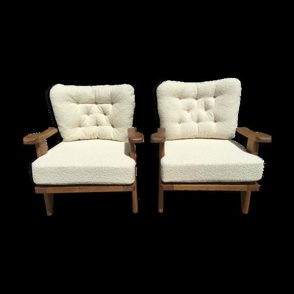 Paire de fauteuils blancs