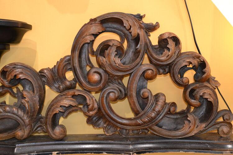 Paire d'élément de boiserie en bois sculpté