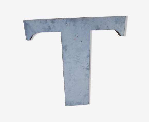 Lettre en zinc