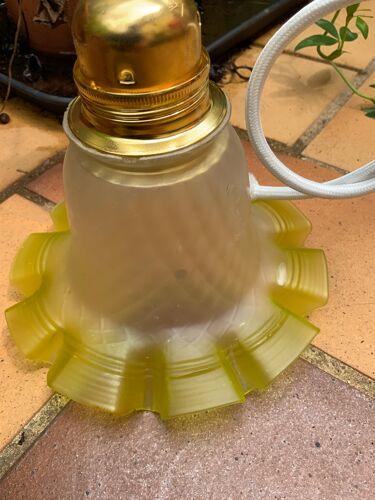 Suspension en verre vintage jaune électricité neuve led forme mouchoir ondulé