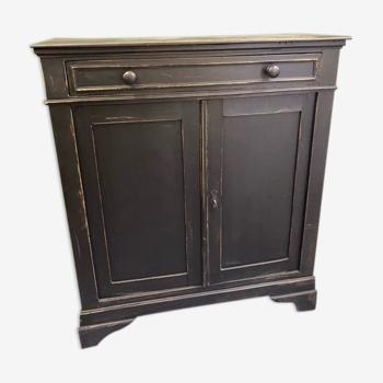 Placard antique de vieille fille noire avec grand tiroir et deux portes