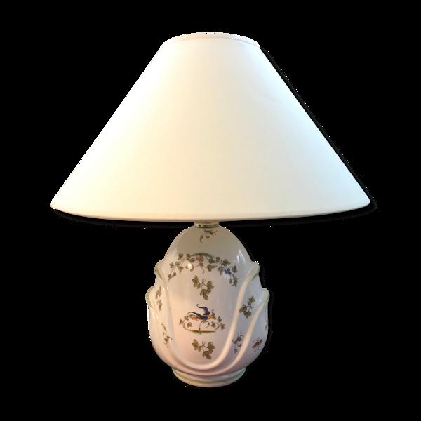 Ancienne lampe en céramique Moustiers et abat-jour blanc crème vintage