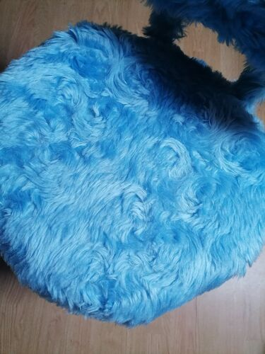 Chaise moumoute bleu ciel Perfran années 70