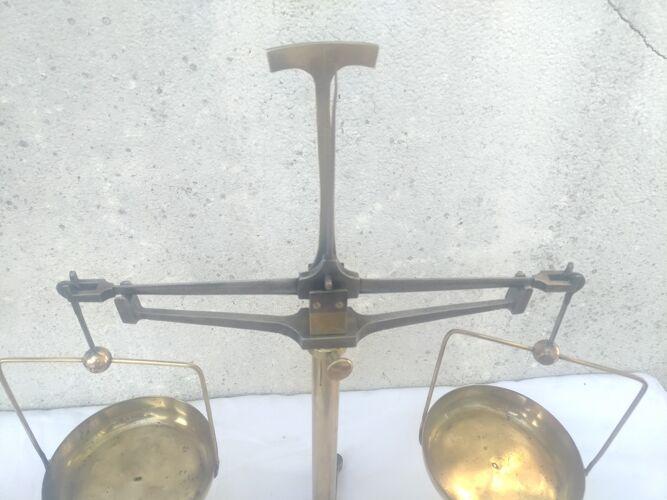 Balance trebuchet de precision
