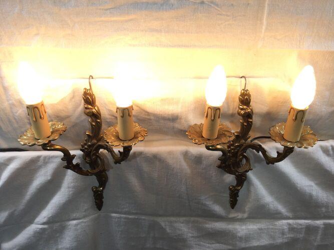 Paire d'appliques en bronze style Louis XV