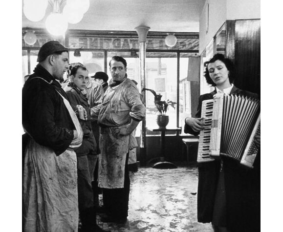 "Photography, ""The Music Butchers"", Paris, 1954 / Tribute to Robert Doisneau / 15 x 20 cm"