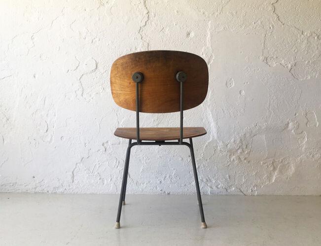 Chaise conçue par Wim Rietvield, 1952