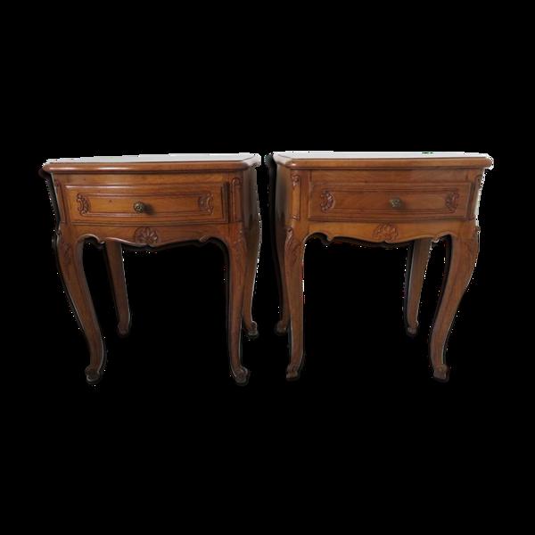 Selency Paire de tables de chevet style Louis XV, en noyer, avec marqueterie