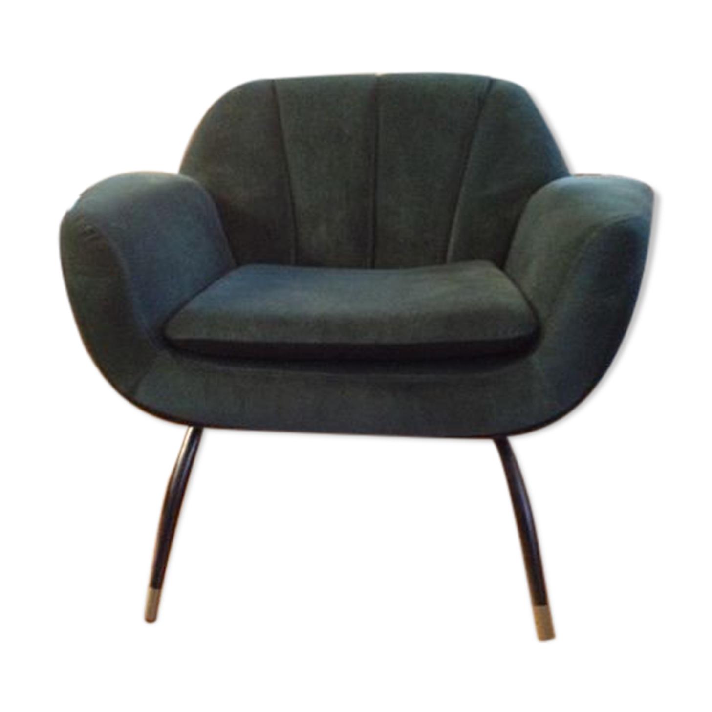 Fauteuil design velours salon club rembourrage luxe siège métal vert fumé.