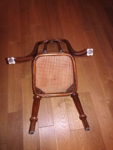 Ensemble de 4 chaises Thonet modèle n° 41