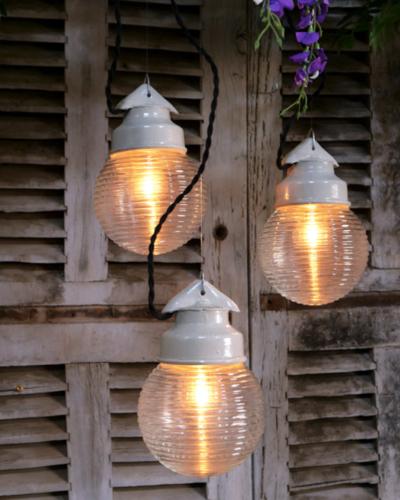Lampe baladeuse industrielle en verre et métal