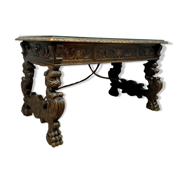 Selency Bureau renaissance en bois entièrement sculpté aux attributs de l'antiquité