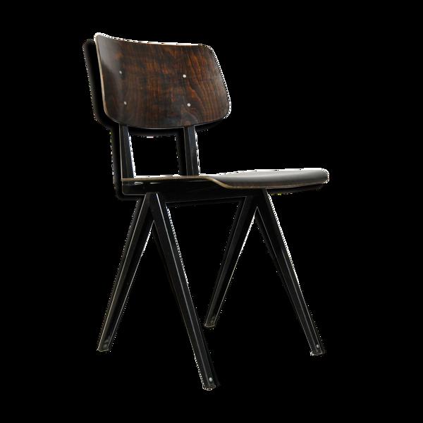 Chaise d'école industrielle classique, s16 faite par Galvanitas Oosterhout, Pays-Bas des années 1960