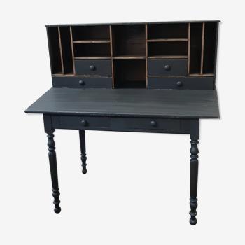 Black & wood desk