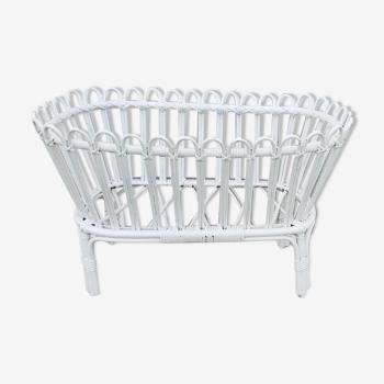 Cradle in white rattan