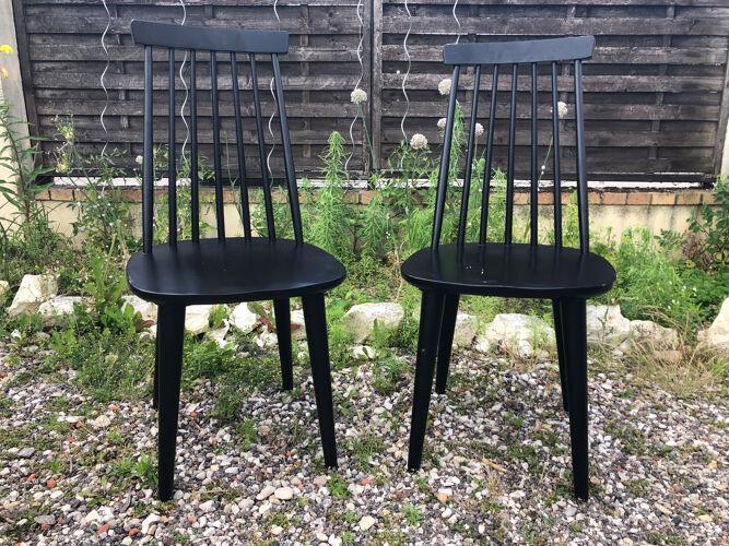 Paire chaises en bois noir vintage