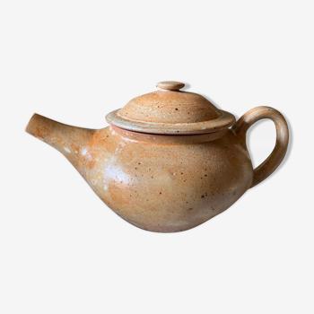 Vintage teapot in Loire sandstone