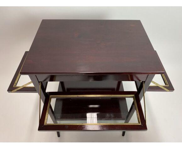 Table d'appoint avec des étagères pliante