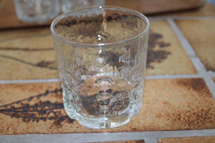 Lot de 11 verres publicitaires BP 70's