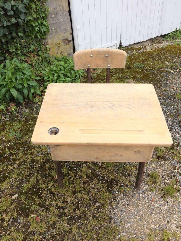 Ancien bureau d'écolier en bois
