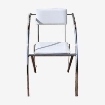 Chaise chrome et skaï blanc