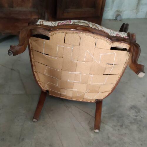 Salon 3 pièces en noyer composé  2 fauteuils et 1 canapé