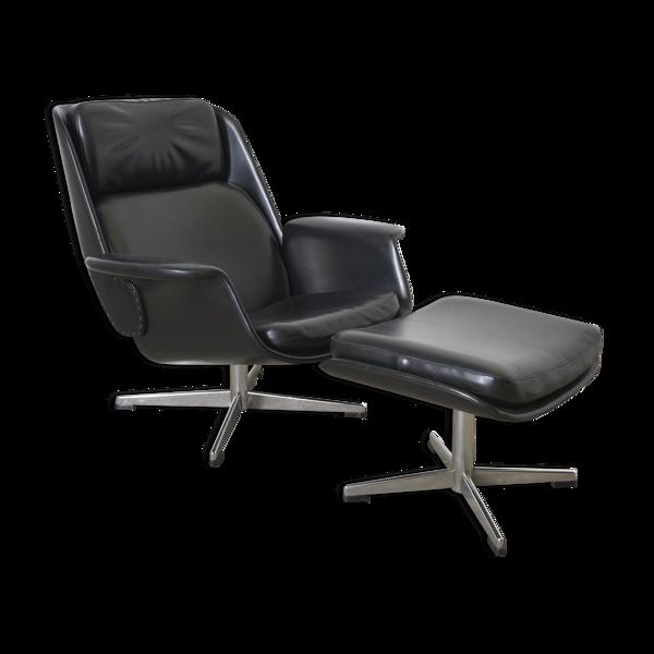 Salon fauteuil avec pouf conçu par Olli Borg pour Asko 1964