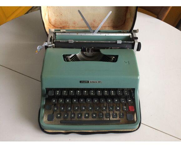 Machine à écrire mécanique vintage portable Olivetti Lettera 32