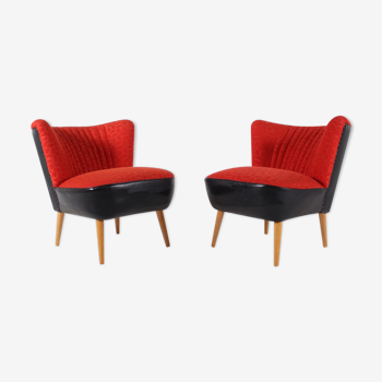 Pair of cocktail chairs red fabric and faux black leather