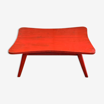 Vintage red lacquered wood coffee table