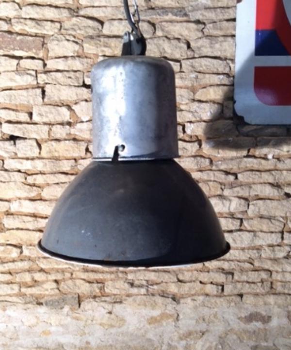 Ancienne lampe d'usine années 70