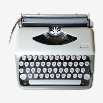 Machine à écrire allemande , fonctionnelle