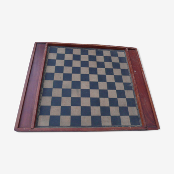 Former checkers game and vintage chess board
