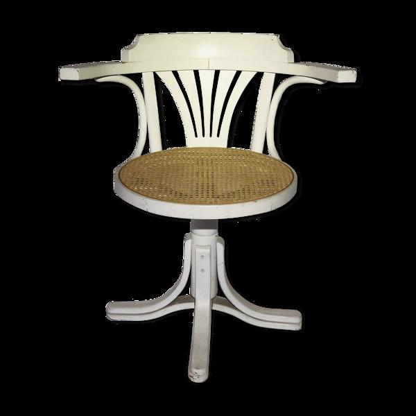 Fauteuil pivotant en bois peint blanc