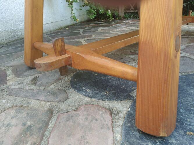 Table chalet pieds compas