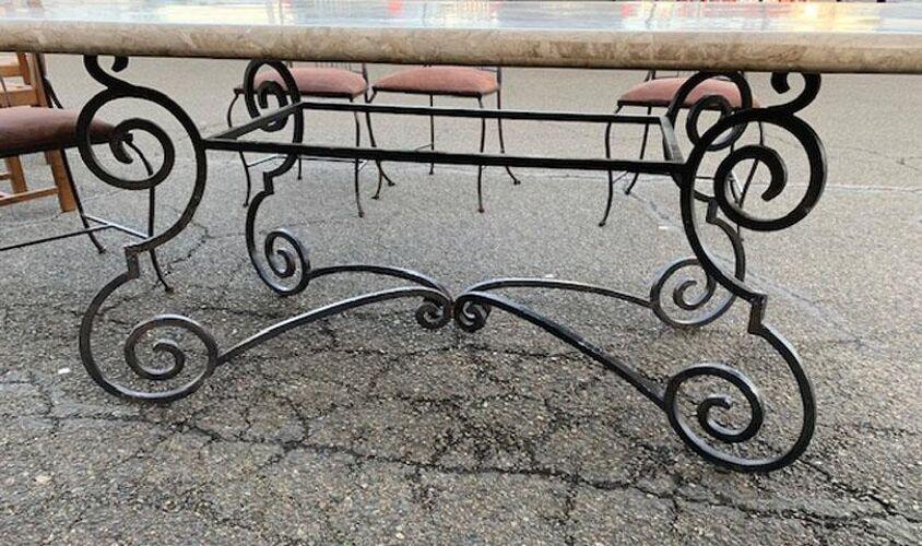 Table plateau marbre avec 8 chaises