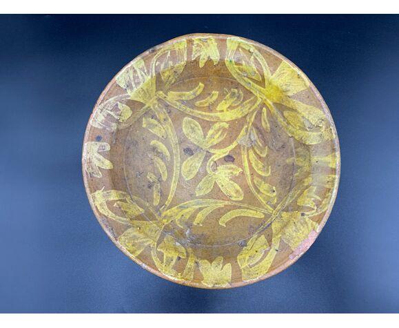 Ancien Plat en Terre-cuite vernissée à décor floral jaune sur engobe ocre, Pakistan Multan