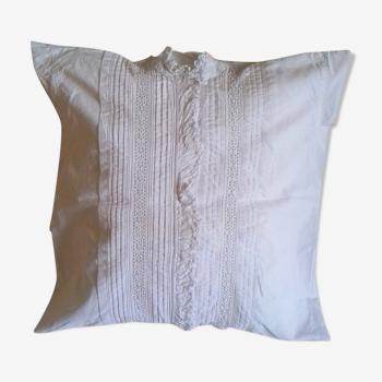 Coussin romantique dentelle coton blanc ancien