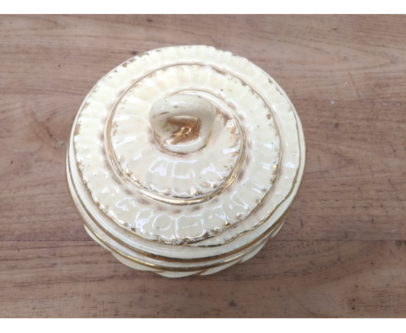 Bonbonniere en porcelaine