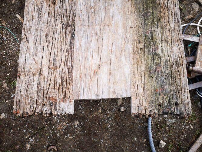Table basse bois brut et métal