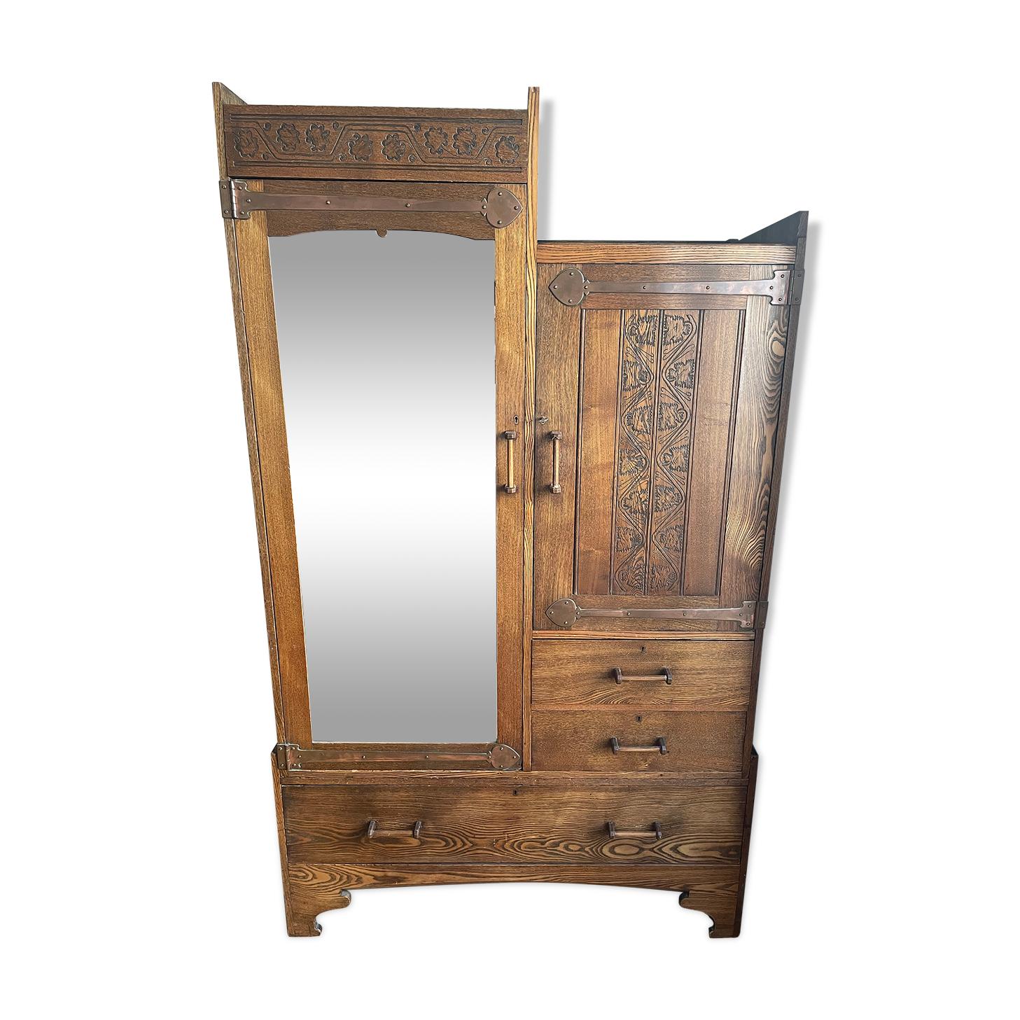 Armoire Art and Crafts / Art Nouveau
