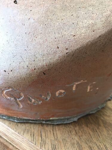 Buste en terre cuite signé Pavot E