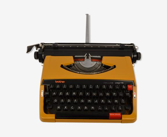 Machine à écrire mécanique Brother Deluxe 262TR - vintage 70 80