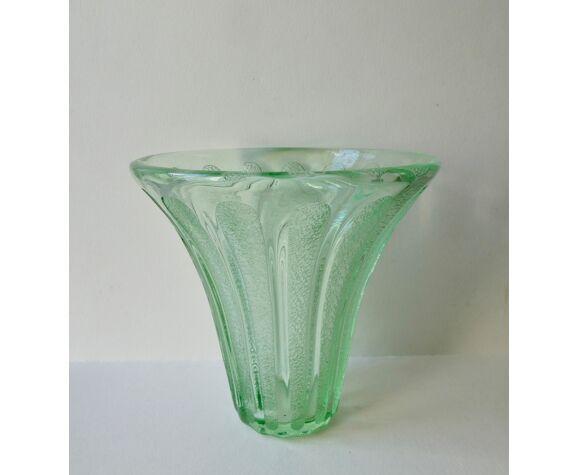 Vase cornet Daum Nancy en cristal vert art deco