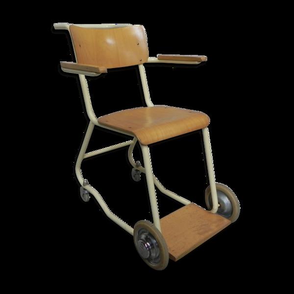 Fauteuil  vintage sur roues