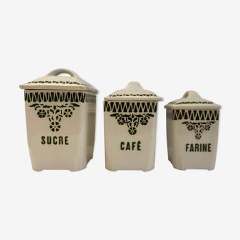 Série de trois pots à épices