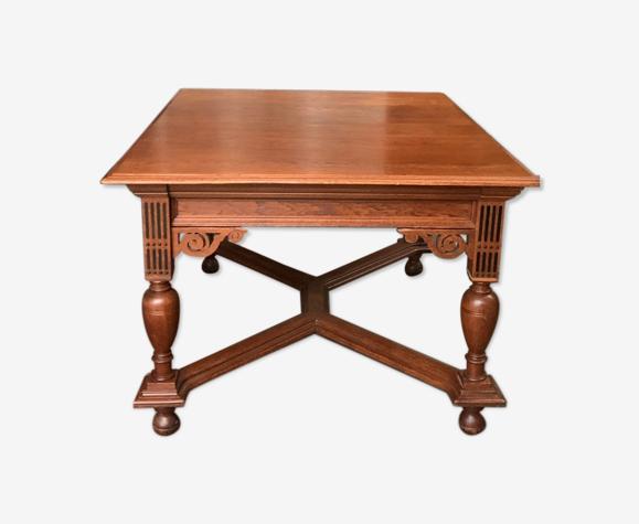 Table à manger dans le style Renaissance. 1870 ans.