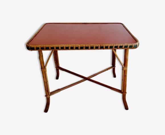 Table en rotin plateau rouge
